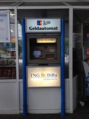 ING-DiBa-Automat Aral-Tankstelle